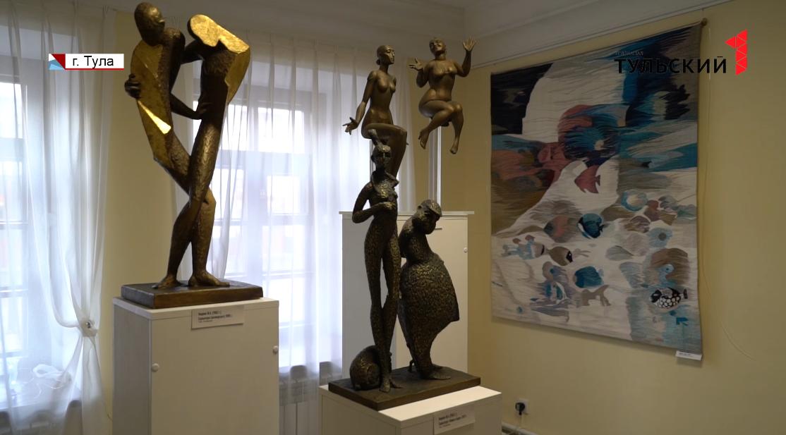 Туляки узнают о Льве Толстом по картинам и скульптурам