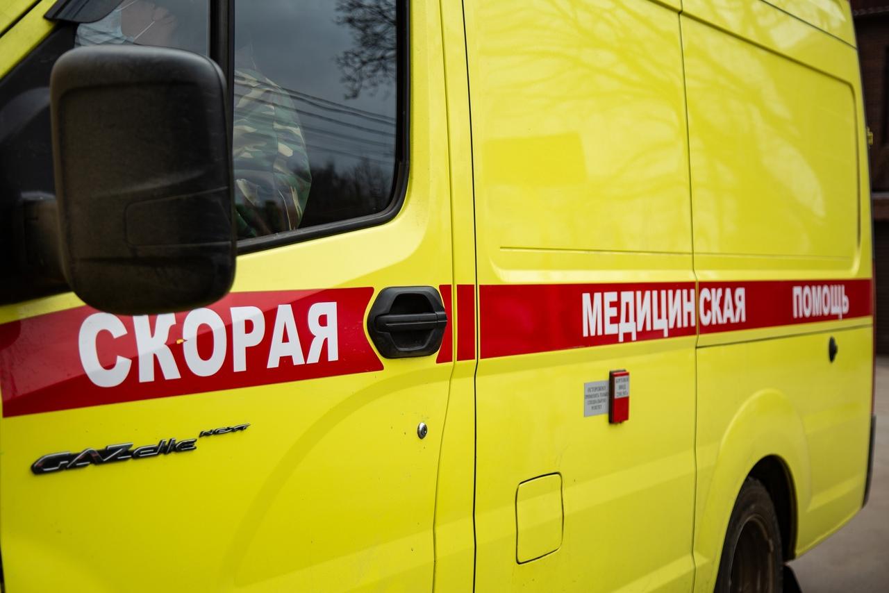 В Тульской области мужчина заехал в пруд на автомобиле и утонул