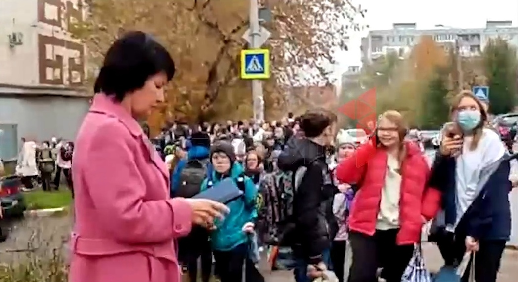 В Туле эвакуировали учеников и сотрудников ЦО №2 из-за бесхозного мешка