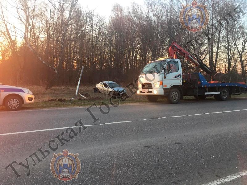 Под Новомосковском водитель сбил знаки отказался от прохождения теста на алкоголь