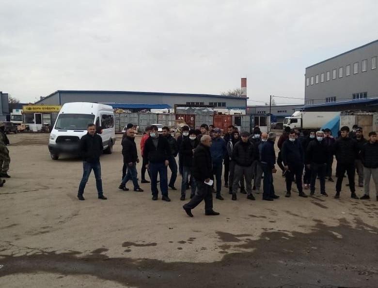 В Туле силовики провели рейд по нелегалам на овощных рынках