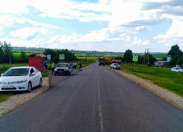 Под Плавском грузовик сбил на переходе 7-летнюю девочку