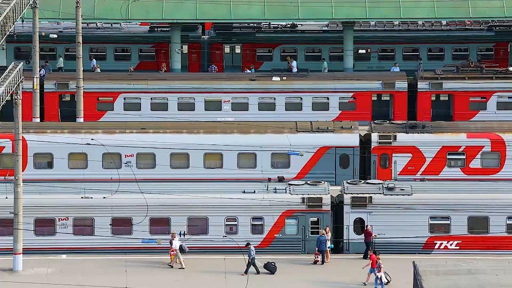 Российские семьи могут оформлять билеты в купе по льготному тарифу
