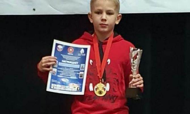 Юный туляк в Орле победил в соревнованиях по вольной борьбе