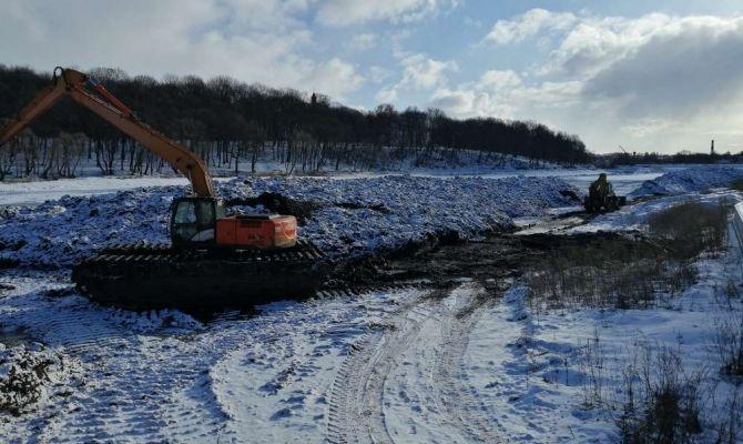 В Богородицке расчищают местный пруд
