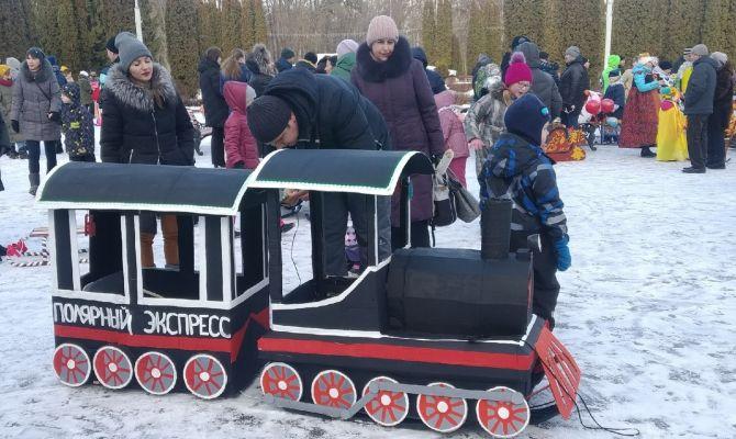 В Центральный парк Тулы приехали танк, поезд и оленья упряжка