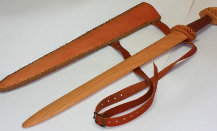 Новомосковец насмерть забил знакомого деревянным мечом
