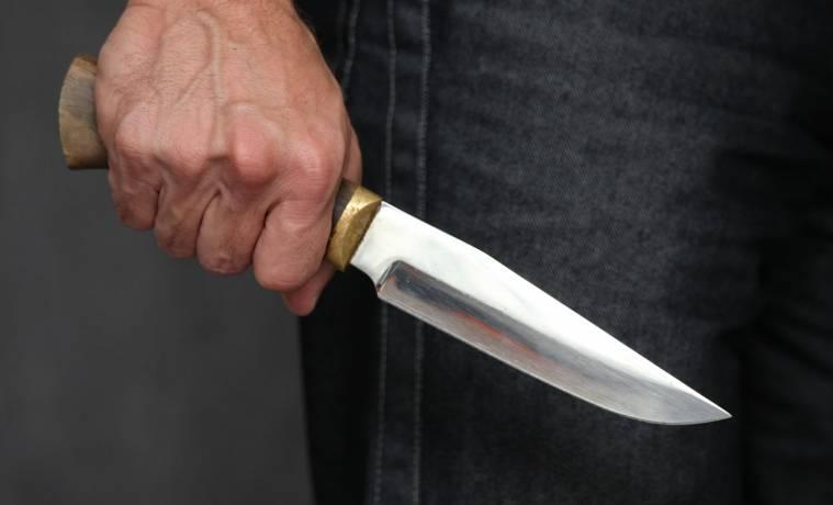 На киреевской трассе ночью преступник с ножом напал на мужчину