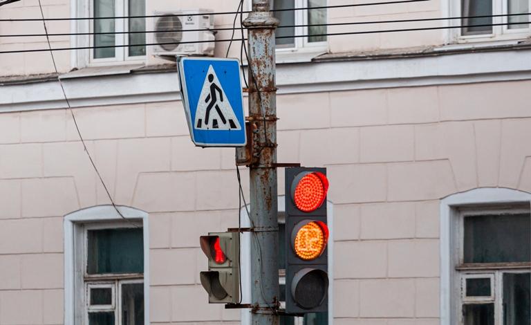 В Туле неработающий светофор привел к коллапсу на дороге