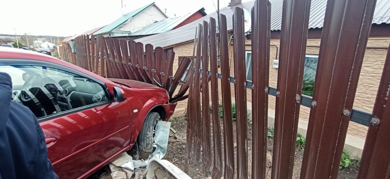 В Плавске пьяный мужчина угнал автомобиль и  угрожал ножом женщине и полицейскому